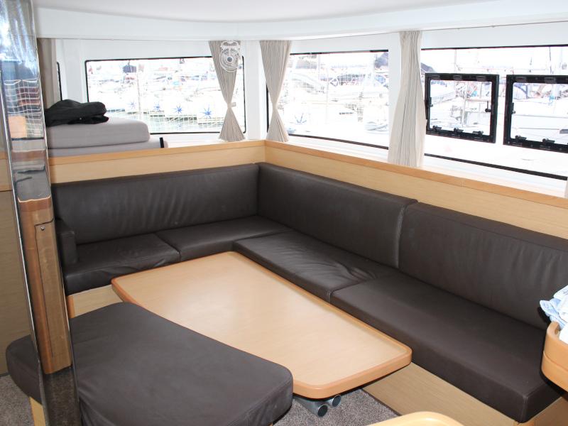 Lagoon 42 (AITUTAKI  (AC in salon + generator)) Interior image - 7