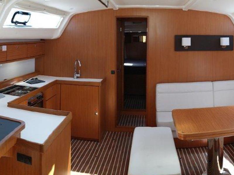Bavaria 51 Cruiser (Rutilicus) Interior image - 3