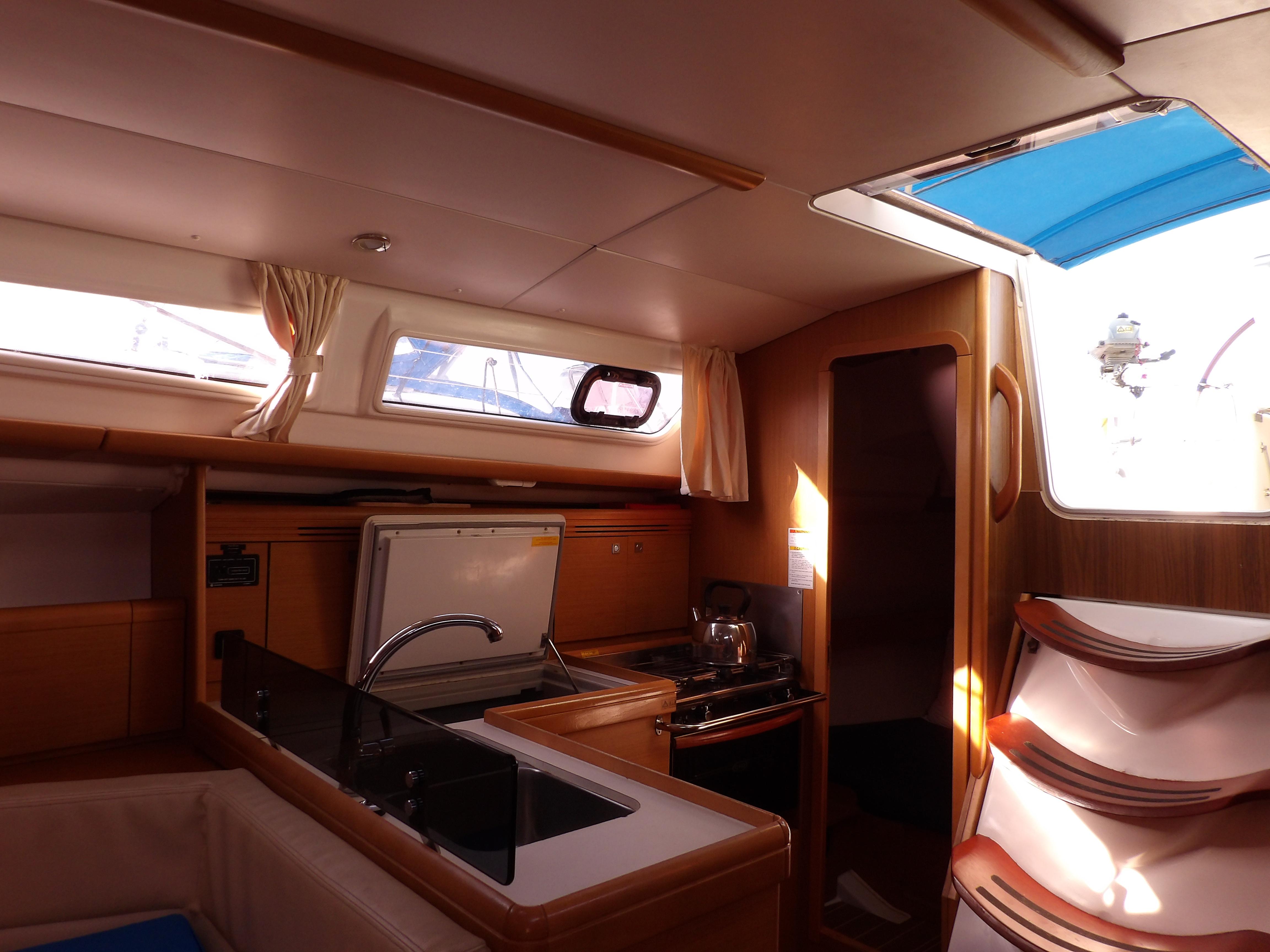 Sun Odyssey 36i (Marina)  - 20