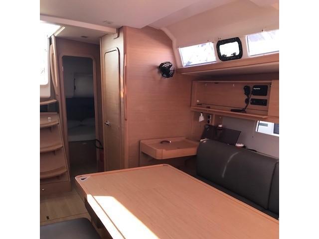 Dufour 460 Grand Large (Vanilla) Interior image - 7