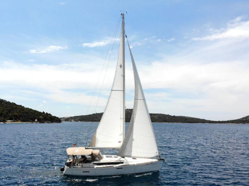 Sun Odyssey 389 (Amadeus)  - 1