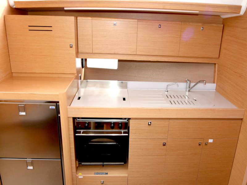 Dufour 382 Grand Large - 2 cab (Lia) Inside kitchen - 9
