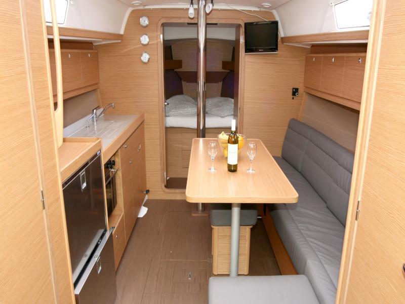 Dufour 382 Grand Large - 3 cab (Lotta) Interior image - 16