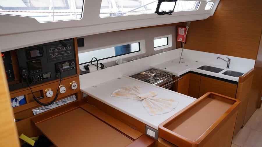 Sun Odyssey 440 - 3 Cabins (White Marlin)  - 6