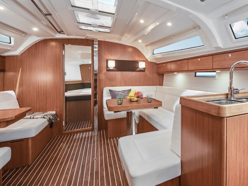 Bavaria 41 Cruiser (Nafsika) Interior image - 1
