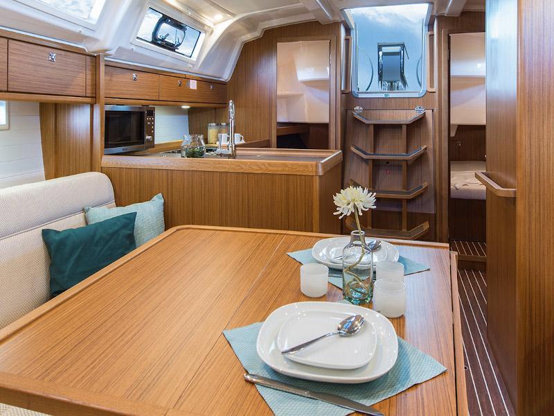 Bavaria Cruiser 37 (Negan) Interior image - 2