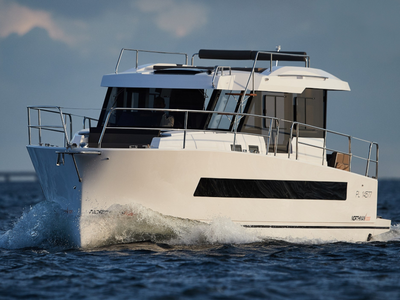 Northman 1200 Elegance Flybridge (ELEGANCE FLYBRIDGE) Main image - 0