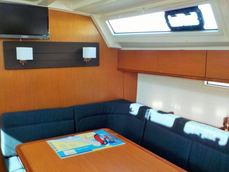 Bavaria Cruiser 46  (Nabu) Interior image - 2