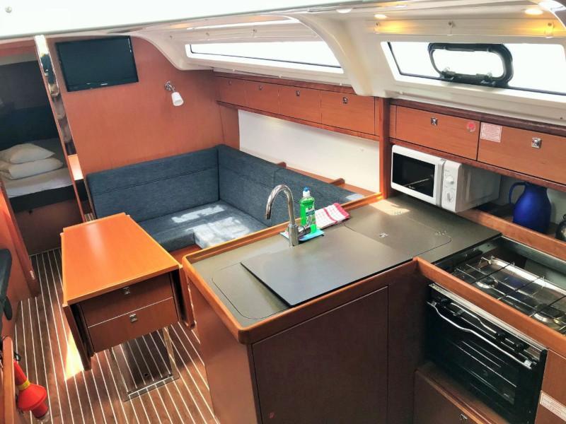 Bavaria Cruiser 37  (Levant) Interior image - 4