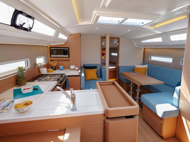 Sun Odyssey 410 (The song is you) Interior image - 1