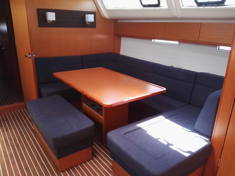 Bavaria Cruiser 51 (Nora) Interior image - 1