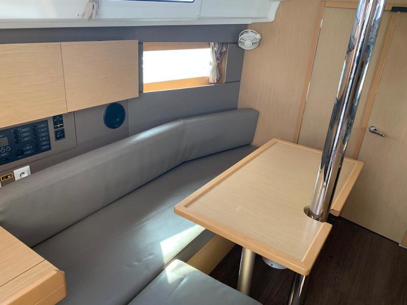 Oceanis 35.1 (Hierà) Interior image - 1