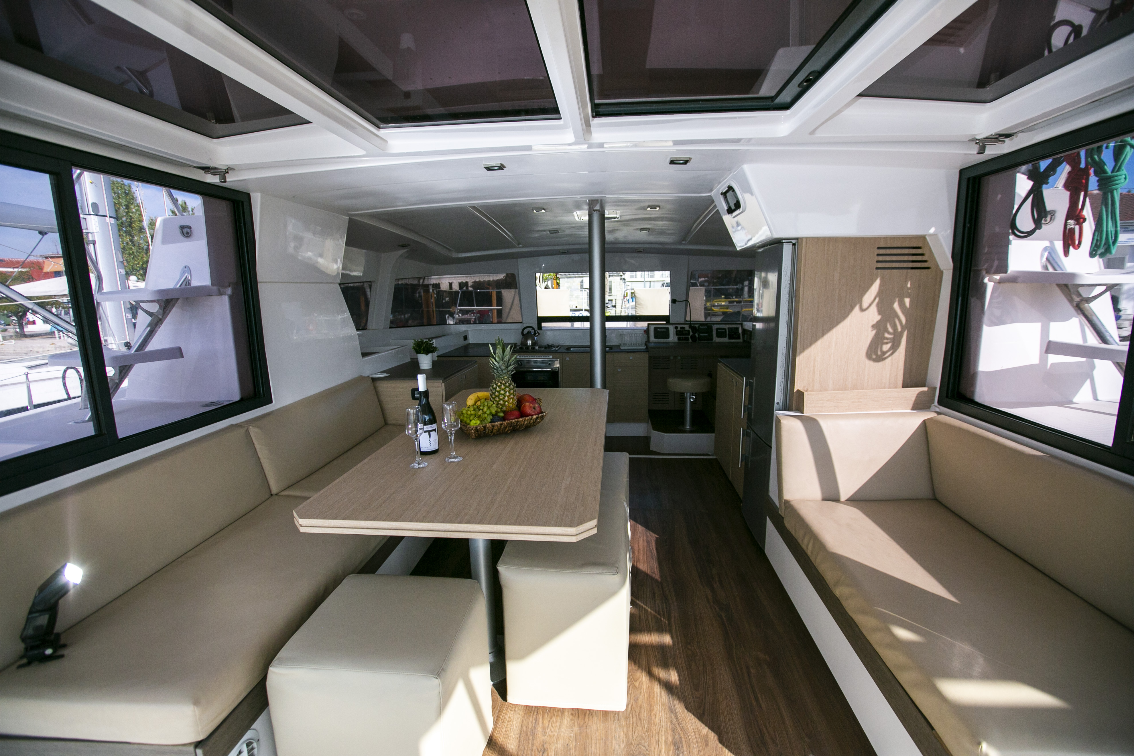 Bali 4.0 (Blue Dream II / with air-condition, generator & watermaker) Interior image - 6