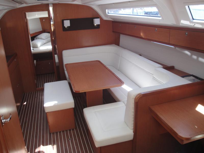Bavaria Cruiser 41 (Giuli) Interior image - 1