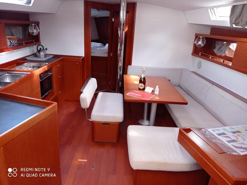 Oceanis 45 (Soffia) Interior image - 2