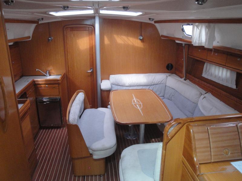 Bavaria 42 Cruiser (Katia) Interior image - 2