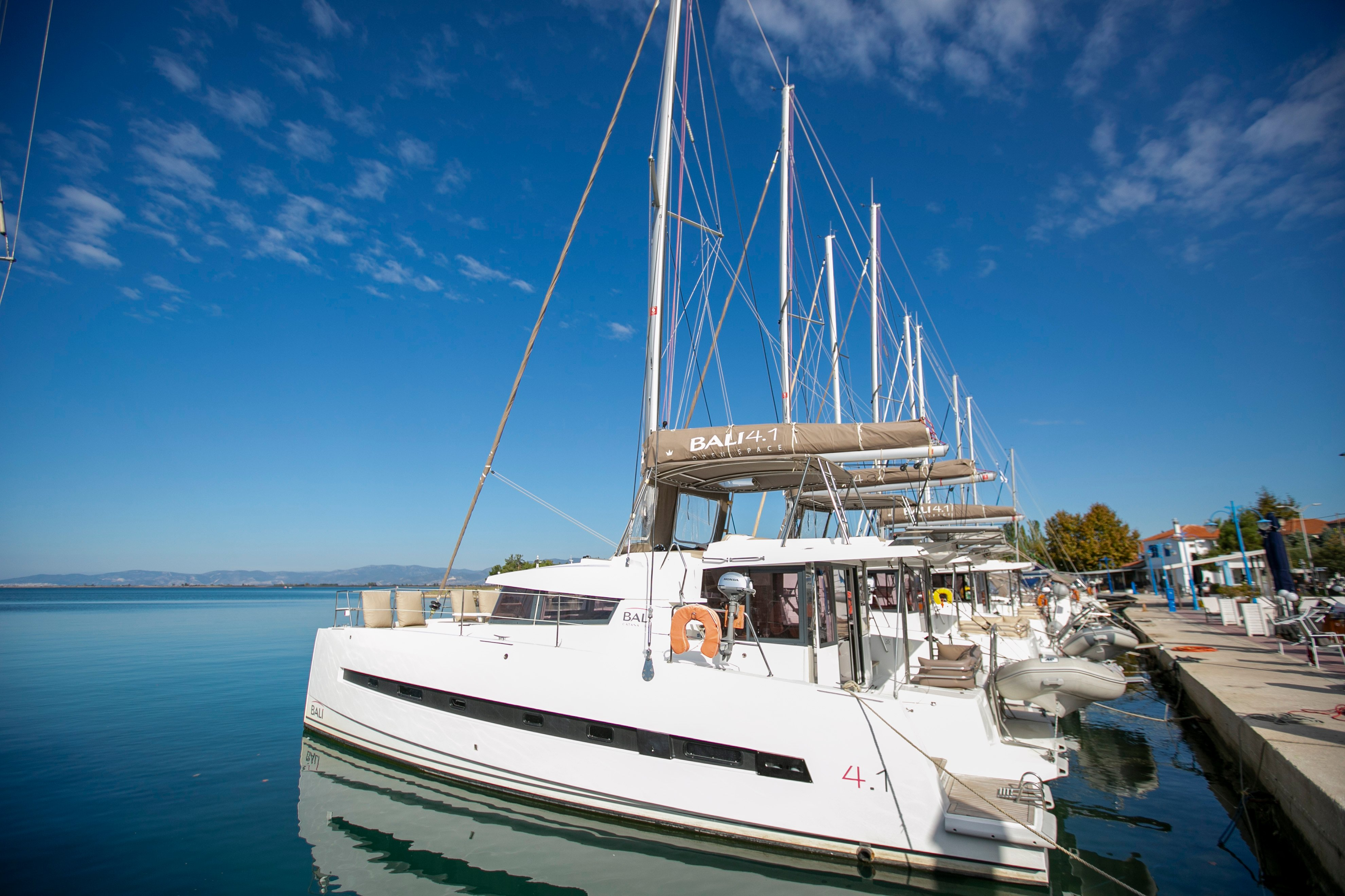 Bali 4.1 (North Cat II / with air-condition, generator & watermaker)  - 4
