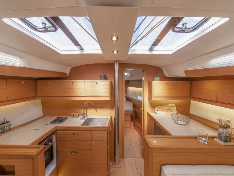 Dufour 460 Grand Large (Bloody Mary) Interior image - 2