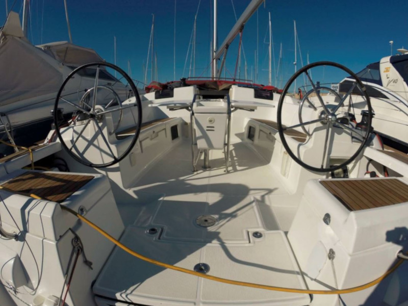 Sun Odyssey 439 (Esquitx) Cockipt from prow - 2