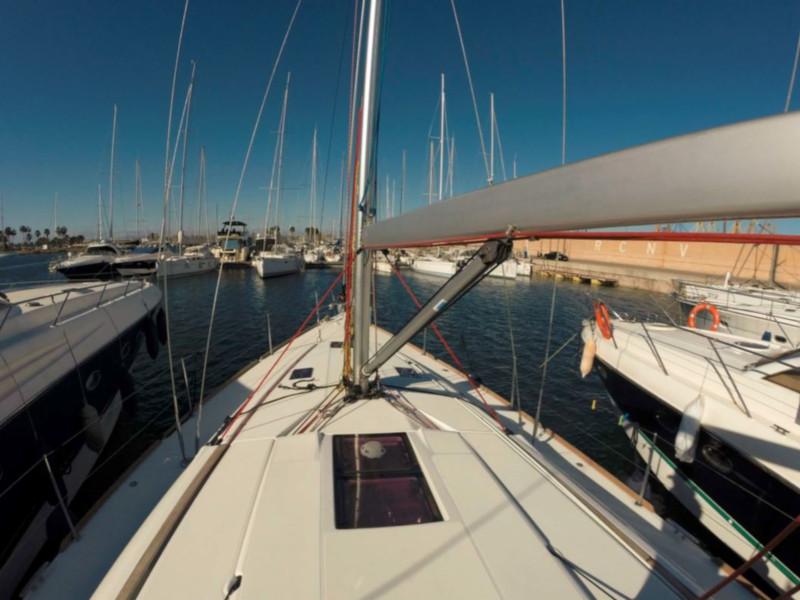 Sun Odyssey 439 (Esquitx) Deck - 4