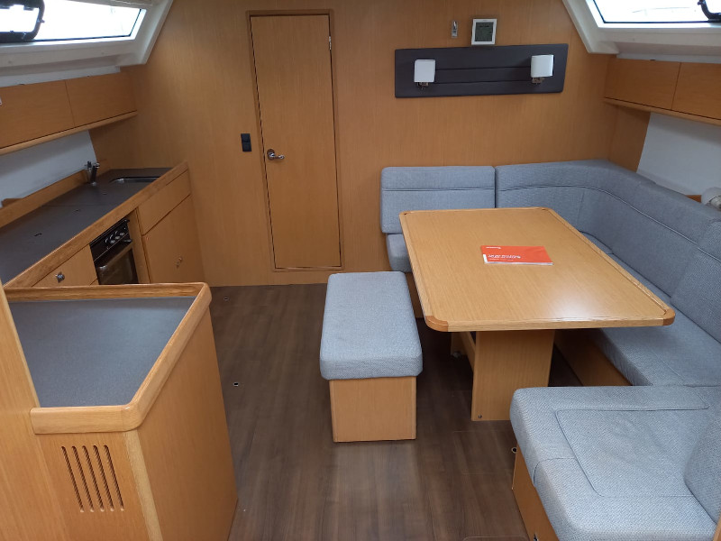 Bavaria Cruiser 46 (Skyfall) Interior image - 9