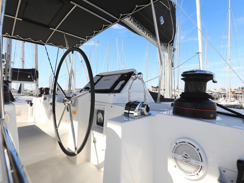 Lagoon 450 F (OLIVER AC salon + generator + watermaker + OB 20HP)  - 26
