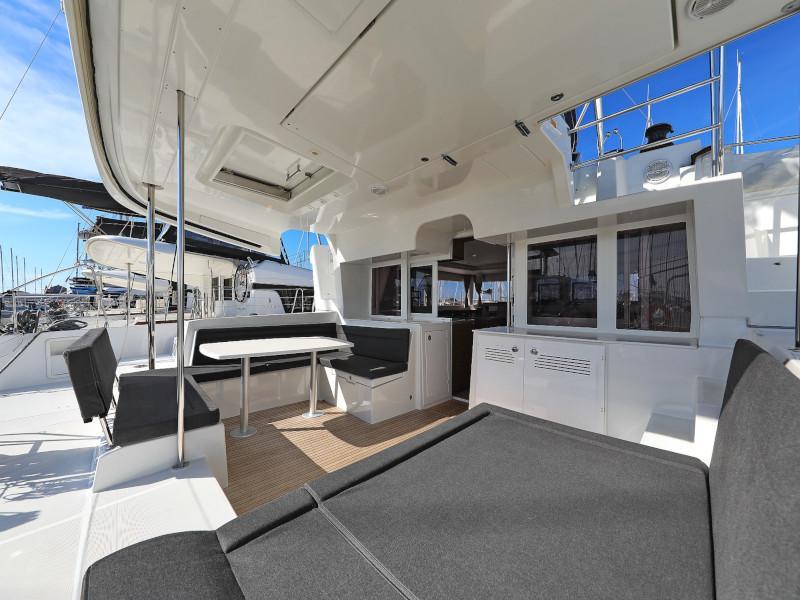 Lagoon 450 F (OLIVER AC salon + generator + watermaker + OB 20HP)  - 42