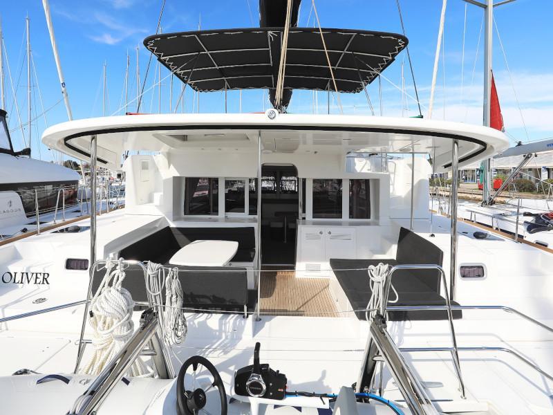 Lagoon 450 F (OLIVER AC salon + generator + watermaker + OB 20HP)  - 17