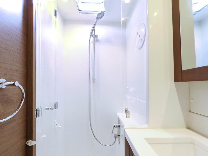 Lagoon 450 F (OLIVER AC salon + generator + watermaker + OB 20HP)  - 22