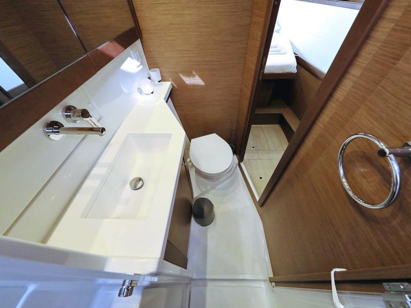 Lagoon 450 F (OLIVER AC salon + generator + watermaker + OB 20HP)  - 41