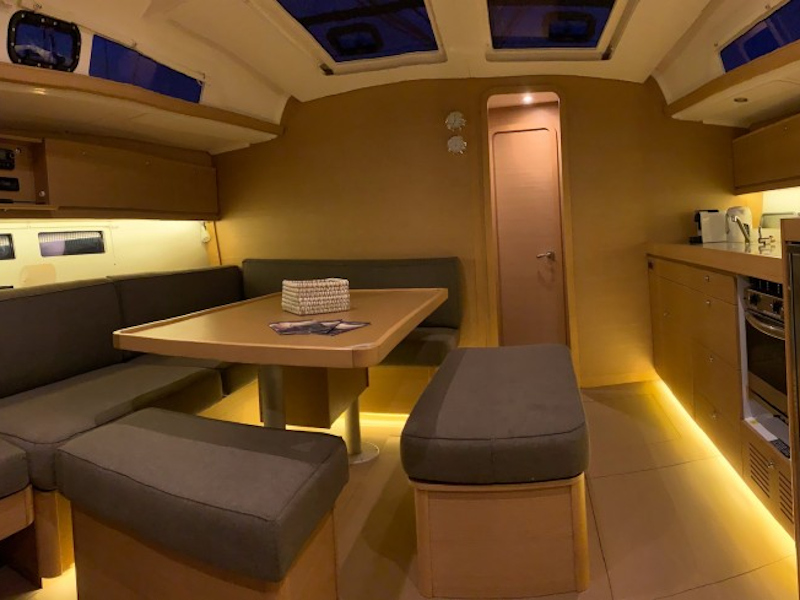 Dufour 460 (Discovery Planet) Interior image - 1
