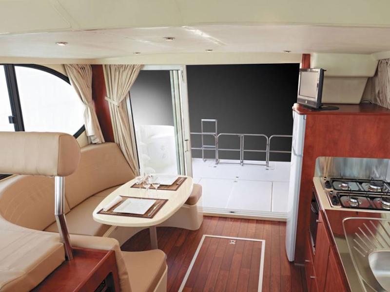 Estivale Quattro B (DAMPARIS FR) Interior image - 2