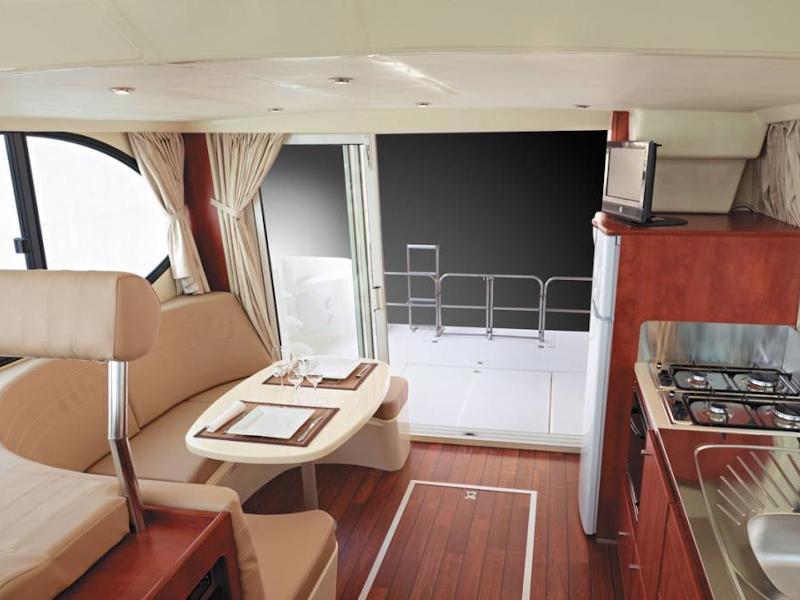Estivale Quattro S (LORENTZEN FR) Interior image - 3