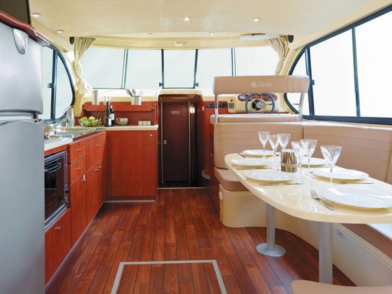 Estivale Sixto Prestige C (MALPAS FR) Interior image - 2