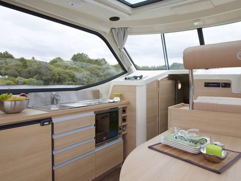 Sedan Primo (LOHR FR) Interior image - 5