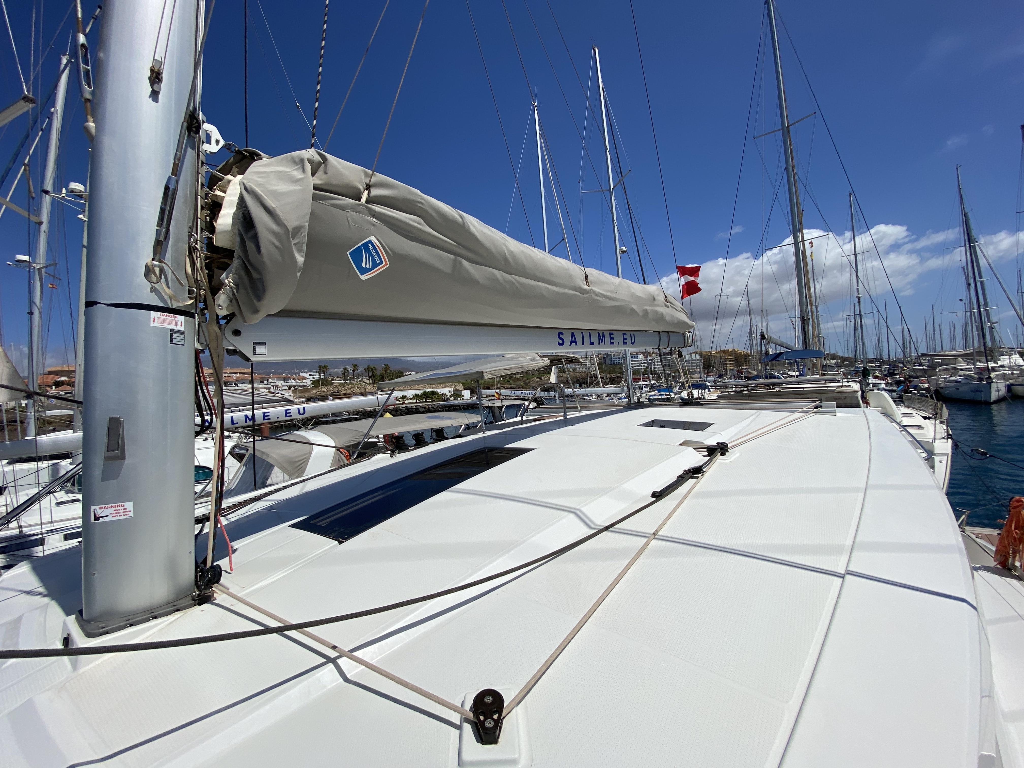 Lucia 40 (Papaya)  - 13