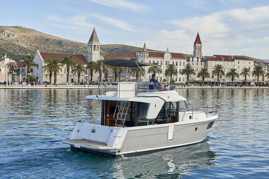 Beneteau Swift Trawler 30 (Odysseus)  - 18