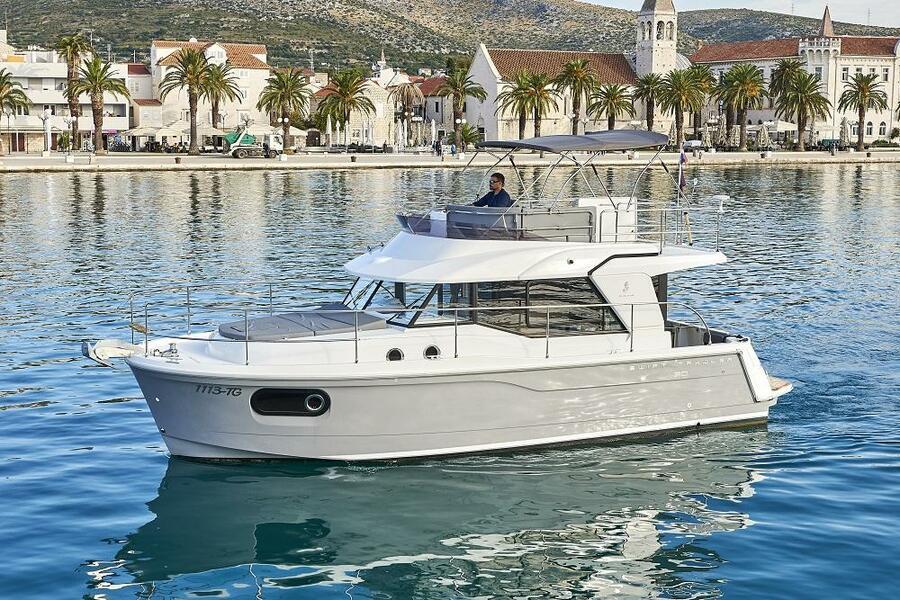 Beneteau Swift Trawler 30 (Odysseus)  - 13