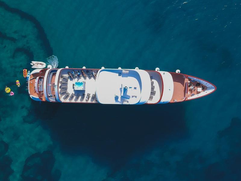 Motoryacht (Yolo)  - 15