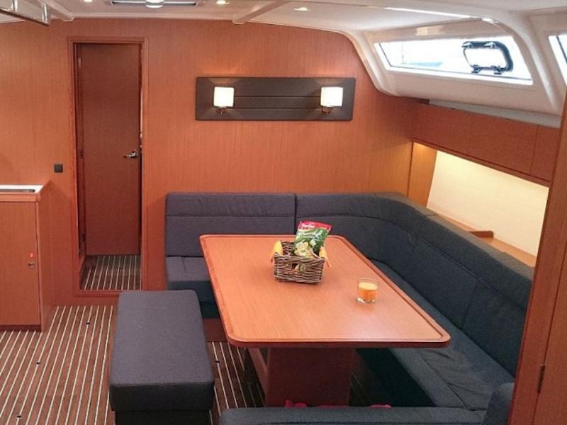 Bavaria Cruiser 51 (Alissa) Interior image - 8