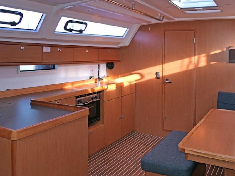 Bavaria Cruiser 46 (Amelva) Interior image - 5