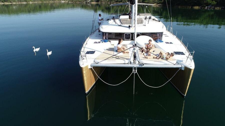Lagoon 450 (Black Duck)  - 16