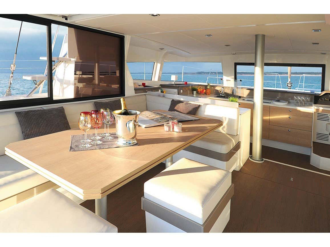 Bali 4.3 Salerno (FASTEAM ONE) Interior image - 1