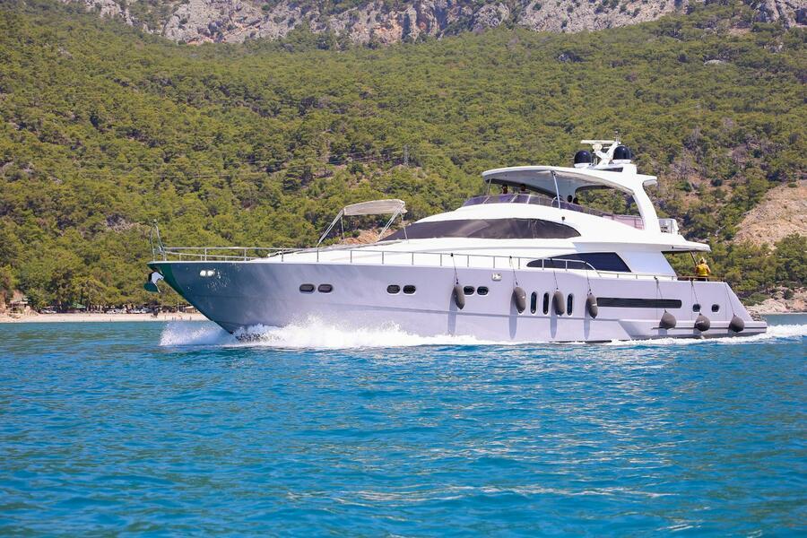 Erdogan (28M Deluxe Bilgin Motoryacht )  - 12
