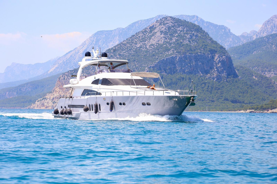 Erdogan (28M Deluxe Bilgin Motoryacht )  - 25
