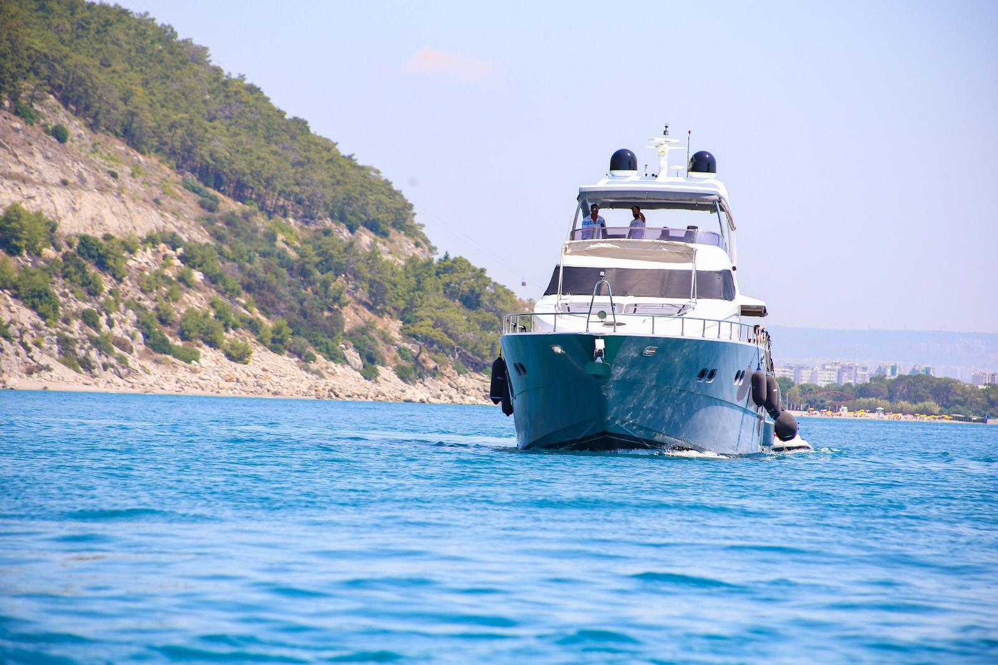 Erdogan (28M Deluxe Bilgin Motoryacht )  - 24