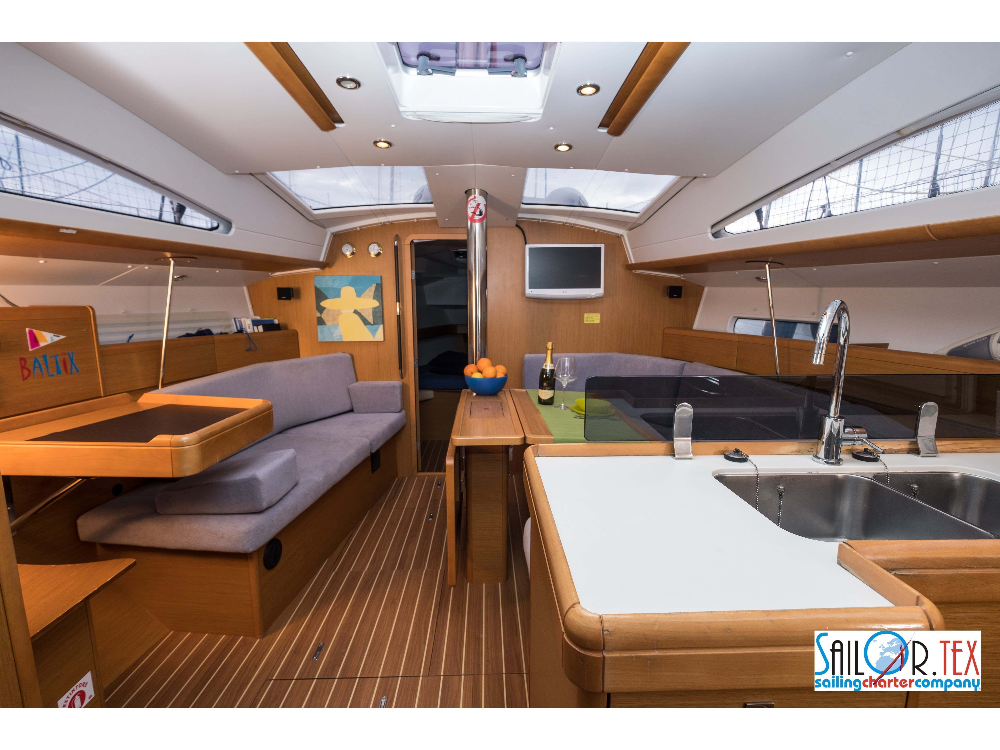Sun Odyssey 42 DS (BALTIX) Interior image - 6