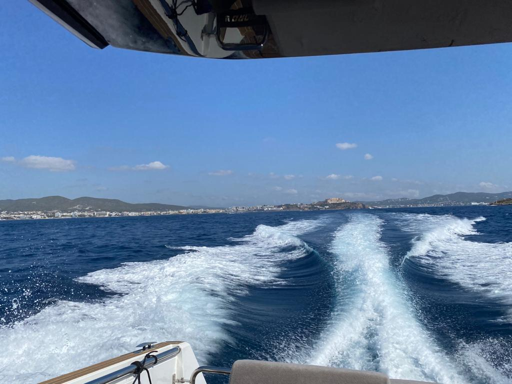 Fjord 44 Open (MEDCAT68 Available for daily charter only - From 10:00 to 20:00 - 0 night)  - 8