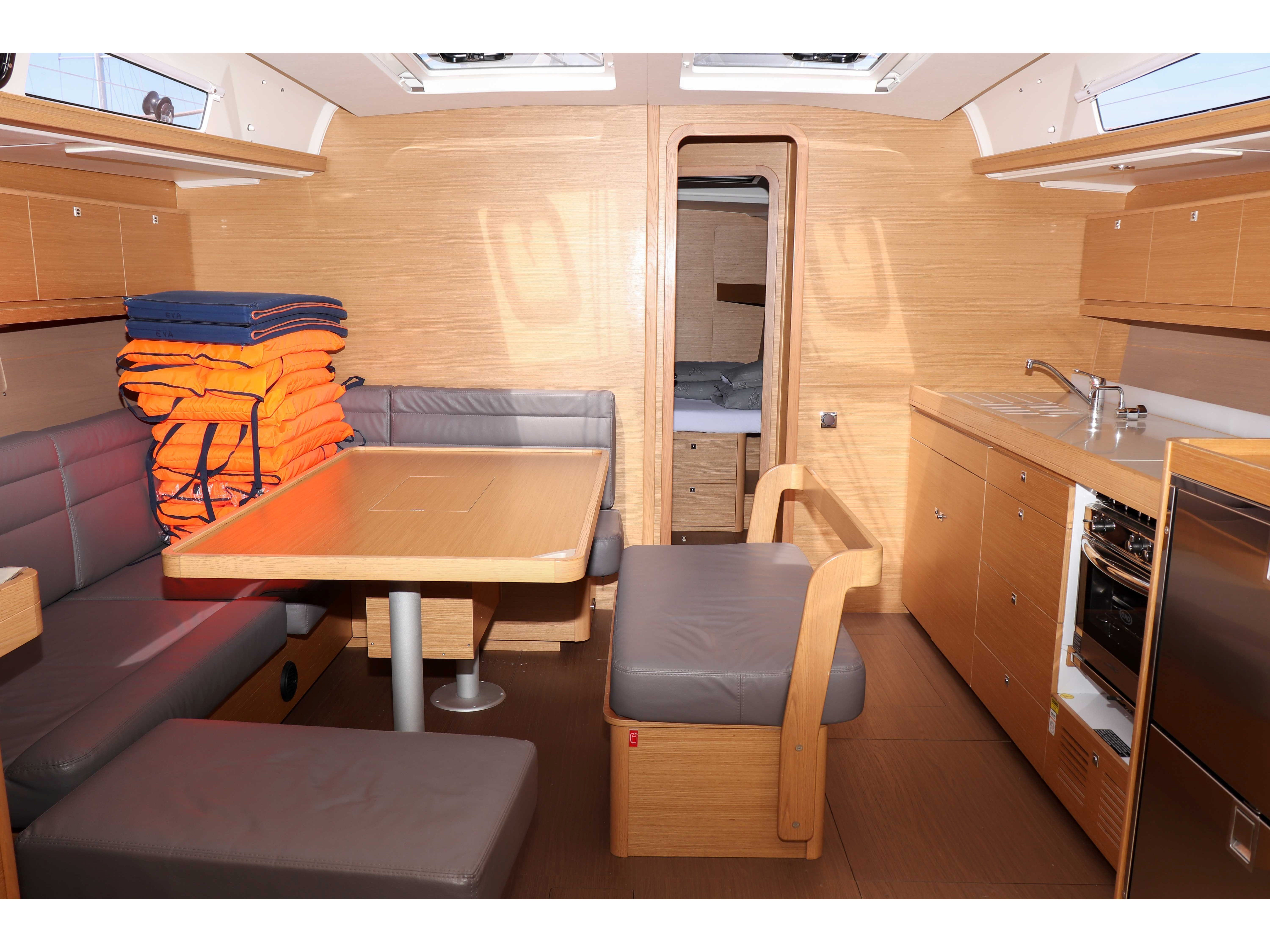 Dufour 460 Grand Large (Eva  ) Interior image - 2