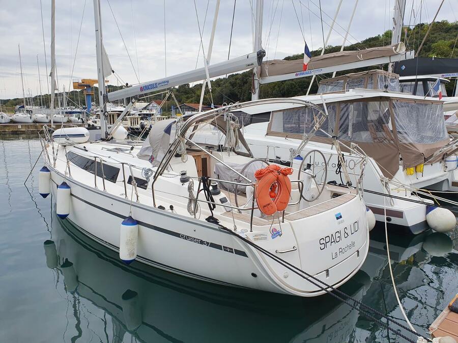 Bavaria Cruiser 37 (2) (Spagi & Lidi)  - 2